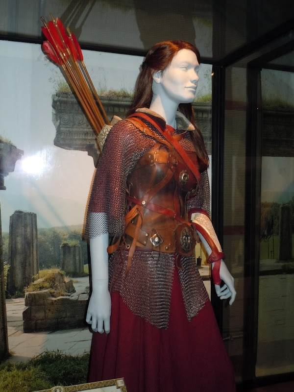 Susan Pevensie Narnia movie costume.  I loved the deceptive simplicity of this costume.