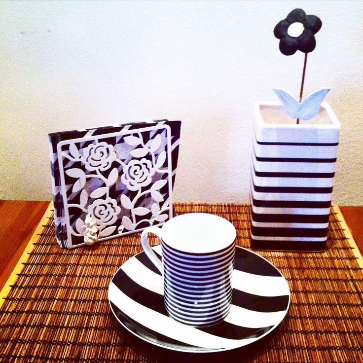 Black and white still life in the kitchen http://ladiy.cafeblog.hu/ #diy #kitchen #blackandwhite #decor #decoration #home #interior