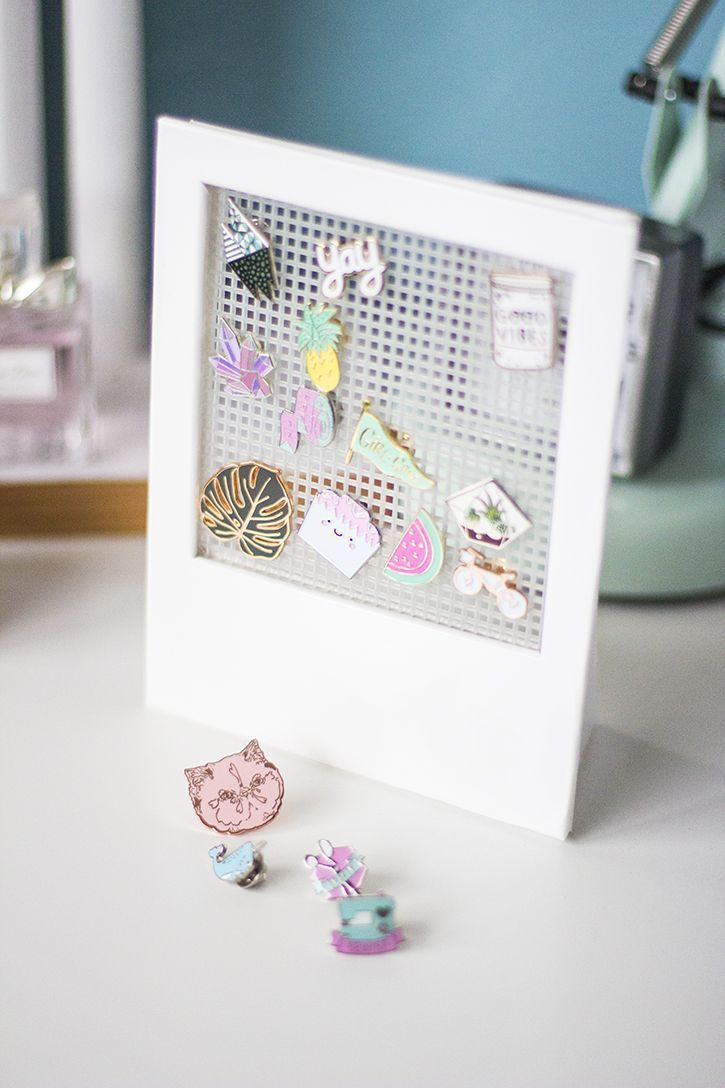 How to make a Polaroid display frame for pin collection