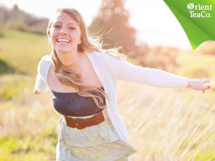 #bebidahidratante Beneficios de tomar el sol. QUÉ RICO SABE SENTIRSE BIEN. Tomar el sol, obviamente de forma moderada y con protección, es bueno para el estado de ánimo, ya que los rayos ultravioleta promueven la producción de serotonina. Recuerda mantenerte hidratado con una bebida saludable como Orient Tea, que está elaborada a base de té, enriquecida con vitaminas, fibra y endulzada con stevia 100% natural. www.orienttea.mx