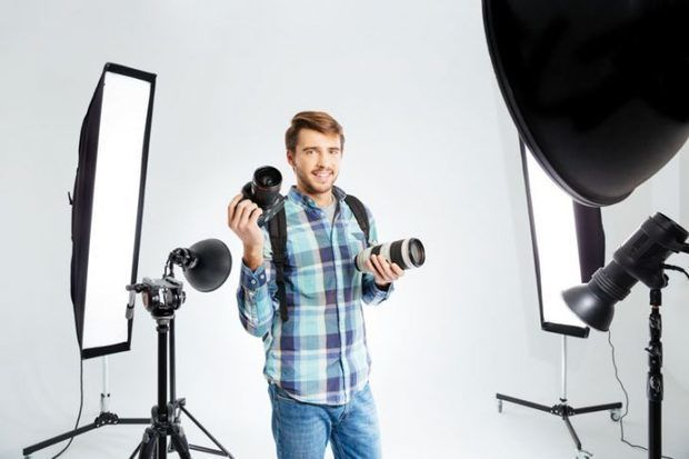 The best Continuous Lighting Kits for your Photo Studio.   1. LimoStudio LMS103  2. LimoStudio AGG912-A  3. StudioPRO 3200W Double Softbox  4. Neewer Table Top Photography Studio Lighting Kit    The overall Neewer Table Top package costs just $34 to boot!