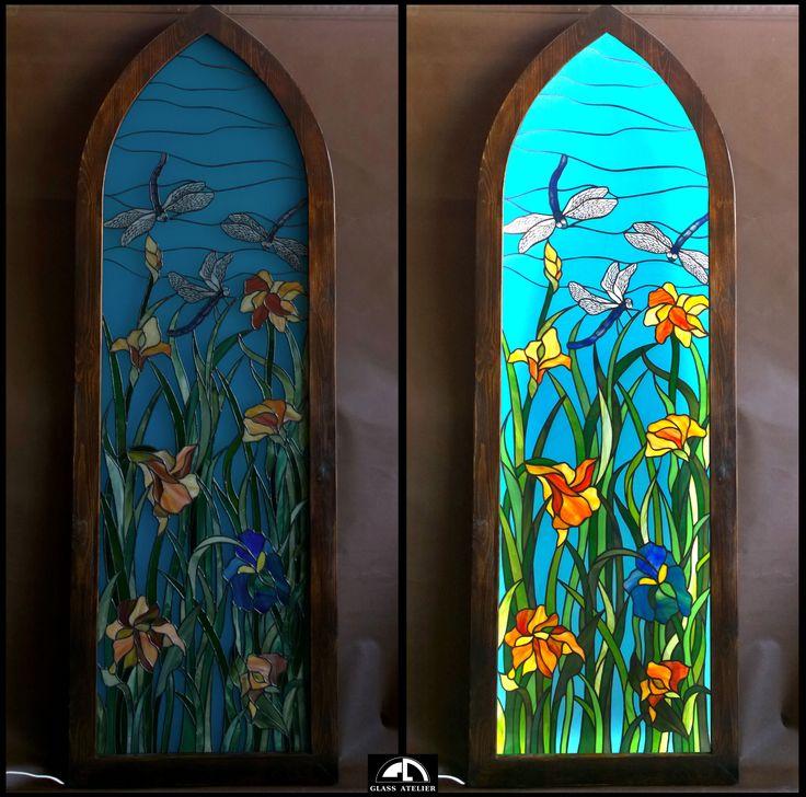 podświetlana rama z witrażem #polandhandmade , #glassatelier , #stainedglass , #vitrail , #glass , #tiffany , #szkło , #witraże , #art , #handmade , #kwiaty , #irys
