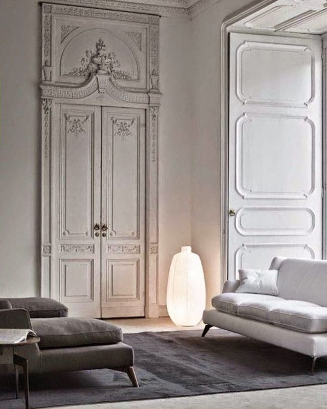 Amazing door from Parisian apartment ⭐️ #realtor #realestate #broker #mäklare #fastighetsmäklare #listing #vardagsrum #sekelskifte #parisian #victorian #stuckatur #stucco #takrosett #takstuckatur #dörröverstycke #vasastan #herringbone #fiskbensparkett #localrealtors - posted by  https://www.instagram.com/maklarveronica - See more Real Estate photos from Local Realtors at https://LocalRealtors.com