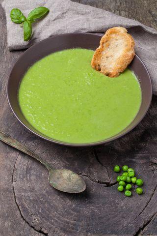 Erte- og aspargessuppe