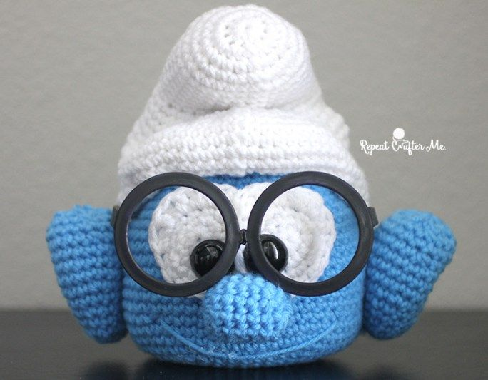 Crochet Brainy Smurf Glasses Holder - Repeat Crafter Me