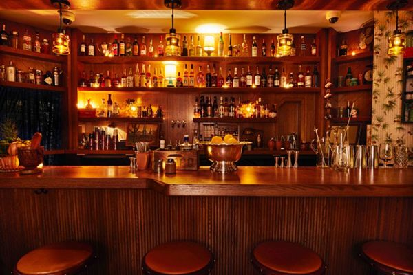 Chicago's best bars to drink like a local