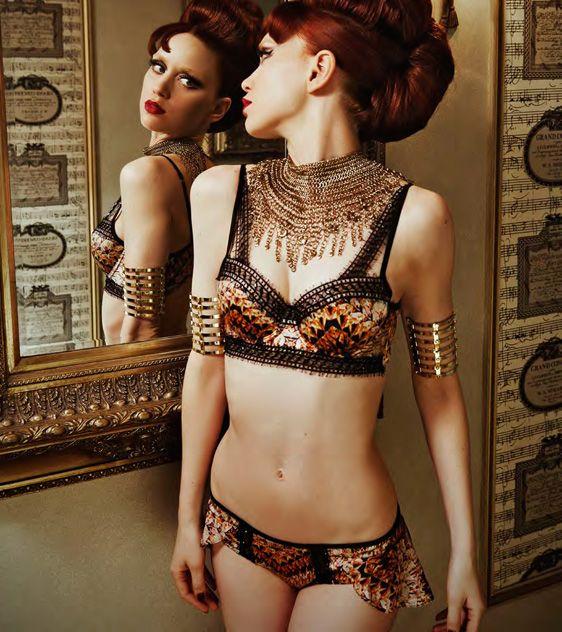 foxxy cleopatra necklace sexy oriental escorts