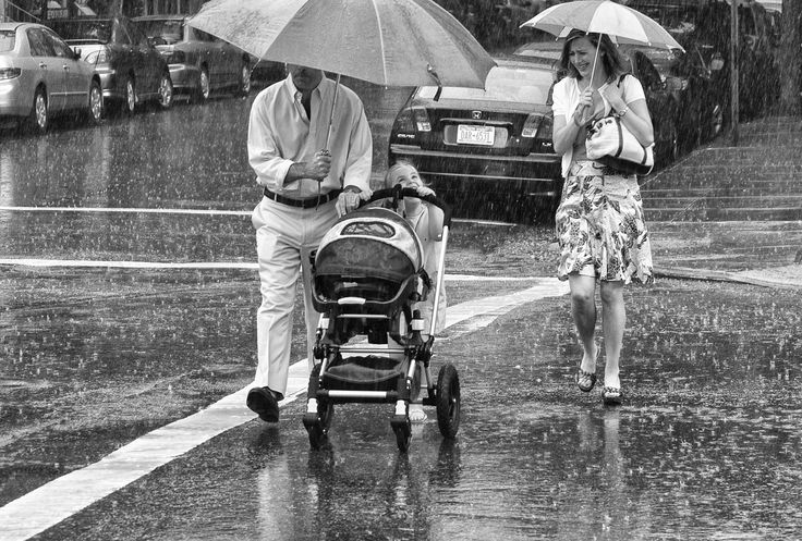 April Showers / New York / Crossing Street / Photo by Dave Beckerman