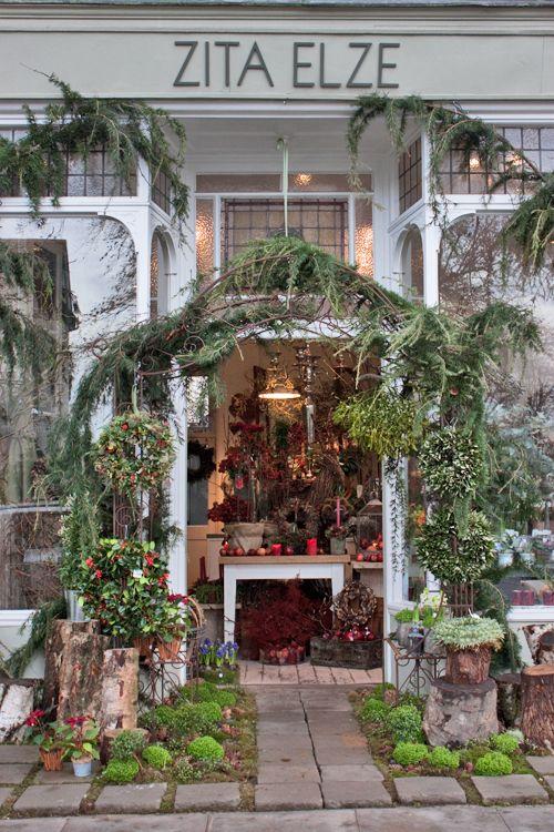 ZIta-Elze-Florist-Shop-London-December-2013-Flowerona