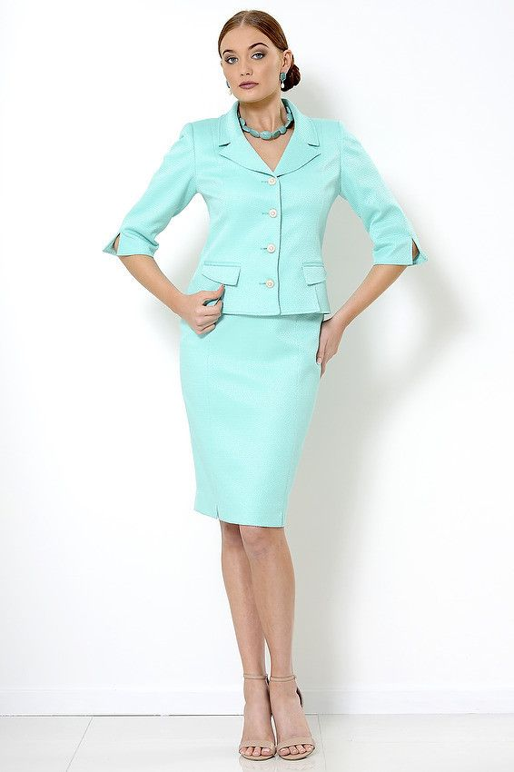 Greer Skirt Pencil skirt with splits at the hem, fully lined and has a back slit.