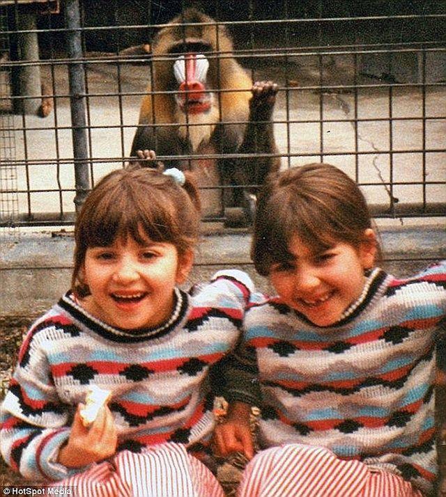 """Anna dan Lucy saat masih anak-anak   Photo"""": Copyright asiantown.net"""