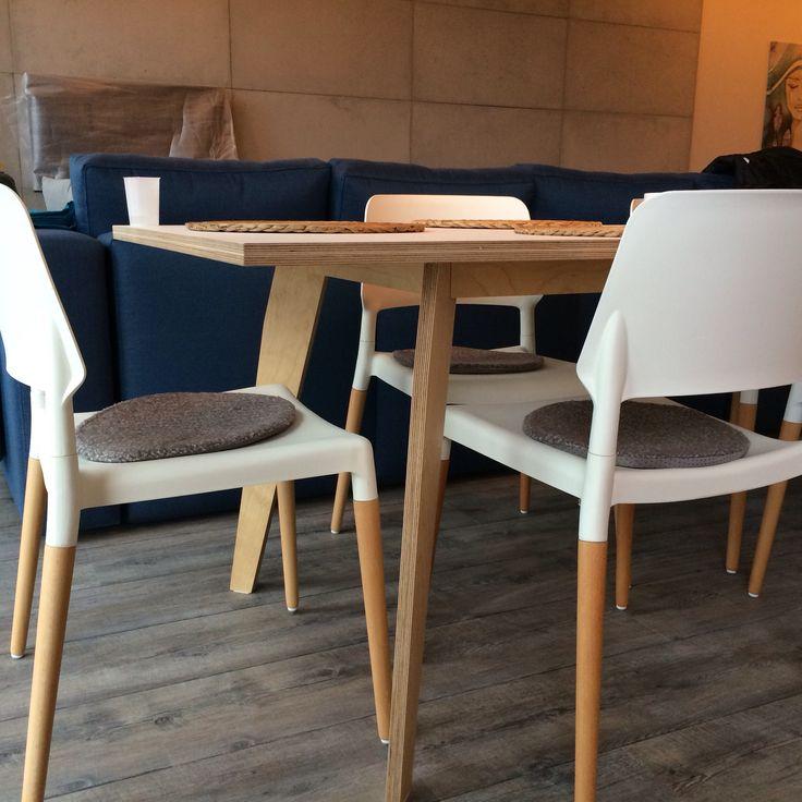 Stół ze sklejki