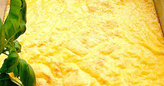 Ugnsomelett är en härlig klassiker på smörgåsbordet. Ofta serveras omeletten med en stuvning, som kan förberedas i god tid. Själva omeletten måste dock lagas i sista stund; den är godast nylagad. Passar även som lätt lunchrätt.