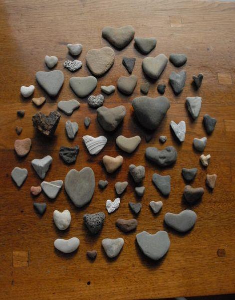 via http://beeshay.typepad.com We collect heart rocks ❤️