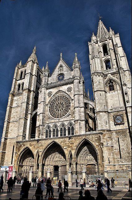 Catedral Gótica de León. En el camino de Santiago