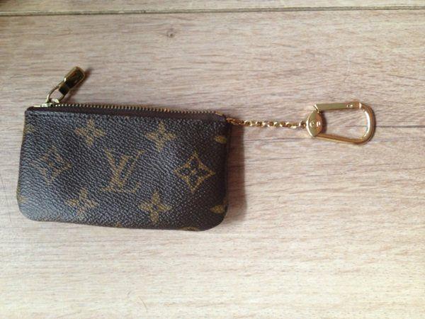 Porte monnaie & porte clé Louis Vuitton (authentique) - Vestiaire ...