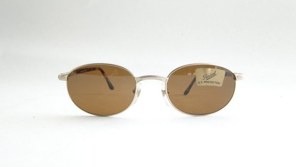 Persol Mirth Mat Gold Sunglasses. Classic handmade sunglasses form 80s by Persol. Dimensions: 49-19 140. #vintage #vintagefashion #vintageframes #eyeglasses #sunglasses #vintagesunglasses #vintageeyeglasses #persol #persolsunglasses #persolglasses #persoleyewear #persolvintage