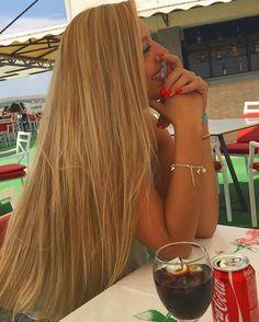 Momento seguidora Meninas olhem esse cabelo de Rapunzel da @nesa.rc Maravilhosoo né? . Quer aparecer aqui? Nós marquem em sua foto #umalindapocahontas