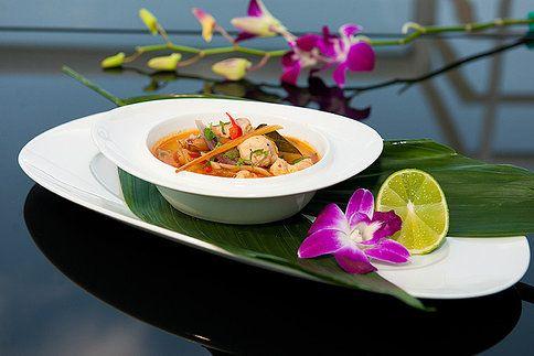 Dnes si přijdou na své všichni milovníci asijské kuchyně, pro které šéfkuchař pražské fusion restaurace Aureole Jiří Král připravil ostrou thajskou polévku tom yam. Nachystejte tedy svoje jazýčky na závan asijské exotiky, připravte si všechny suroviny a nechte se unést na pikantní vlně téhle oblíbené polévky!