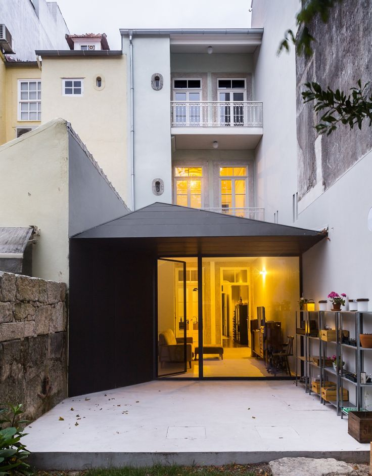 Completed in 2016 in Porto, Portugal. Images by A Caixa Negra. The intervention was aimed to keep the preexistent use of the building – single housing -, seeking to improve its dwelling, salubrity, comfort and...