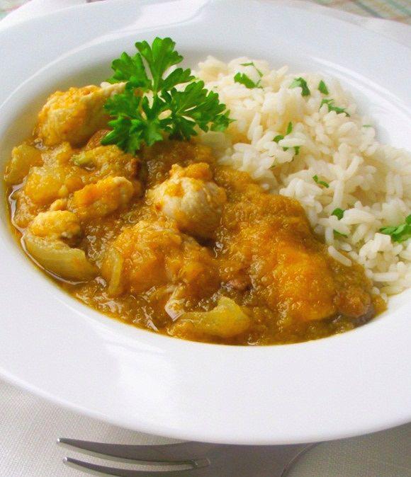 Nigerian Cookbook Author, Funke Koleosho's Nigerian popular Green Pepper stew with chicken breast served with steamed rice. Also known as Designer Stew.