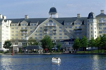Disney's Newport Bay Club Hotel Disneyland Paris 2001
