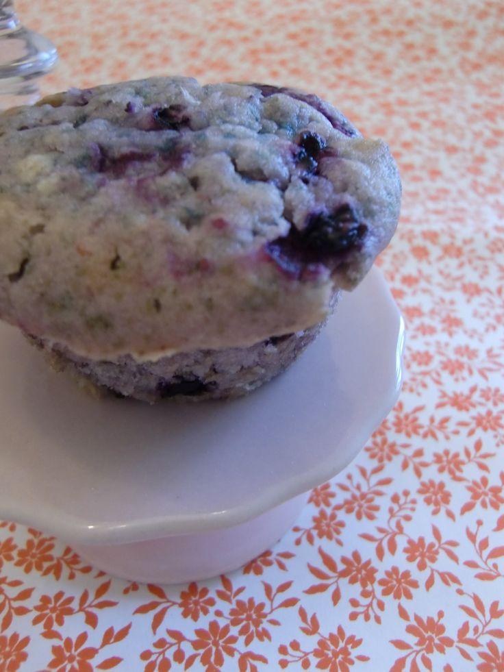 Mein Sonntagssüß: Blaubeermuffins – fluffiger und saftiger geht's kaum!/ Черничные кексы