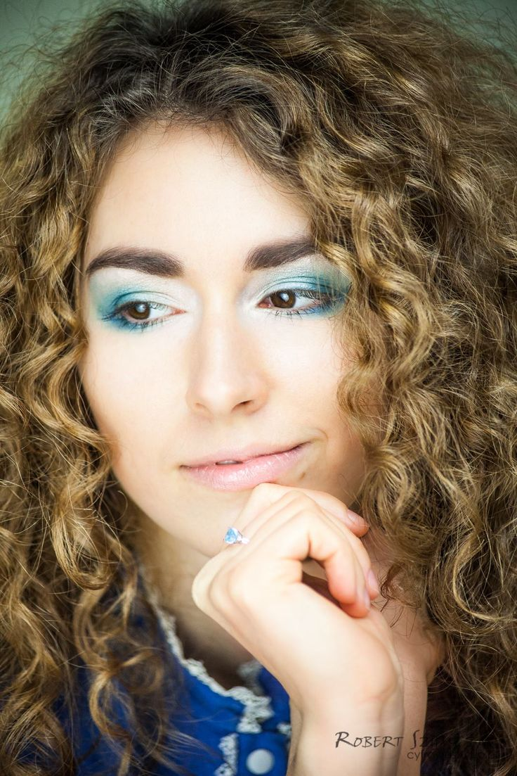 Fotograf: Robert Szymczak  Modelka: Magdalena Staniucha MUA, włosy i stylizacja: Marta Lityńska  Polub mnie na Facebooku: https://www.facebook.com/MartaLitynskaMSB  A to mój Instagram: https://instagram.com/martasarablanka