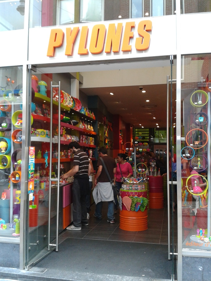 Pylones Amsterdam.. great store for teamugs to-ga, bags etc... a lot of colours, a bit childish to some people perhaps, but worth visiting! especially for those who love home decoration stuff..