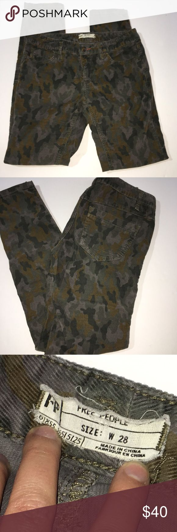 """Free People camo corduroy skinny pants EUC. Free People camp cords. Skinny fit. Soft, some stretch. Rise is approx 8"""", inseam approx 31.  🌸automatically save when you bundle or make an offer🌸 Free People Pants Skinny"""