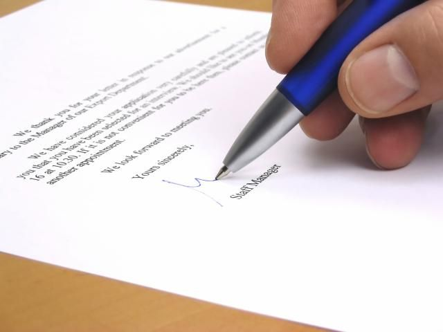 When you're writing a business letter or sending an email message it's important to close your letter in a professional manner. Here's how.
