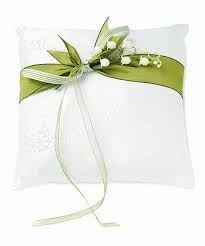 Risultati immagini per cuscino portafedi