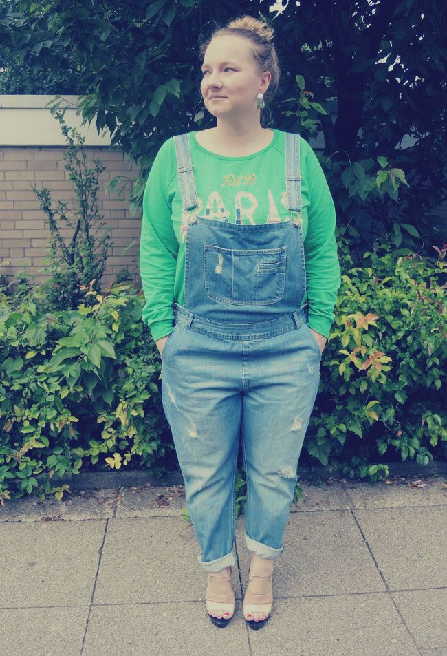 Dungarees, Asos, Green, Sweater, destroyed, Latzhose, River Island, grün, pulli, Earrings, Primark, Transparent, clear, High, Heels, sandals, Coco California,curvy, curve, girl, women, woman, fat, big, fashion, mode, blog, life, lifestyle, plus, size, plussize, Übergrößen, dick, frau, frauen, kurven, kurvig