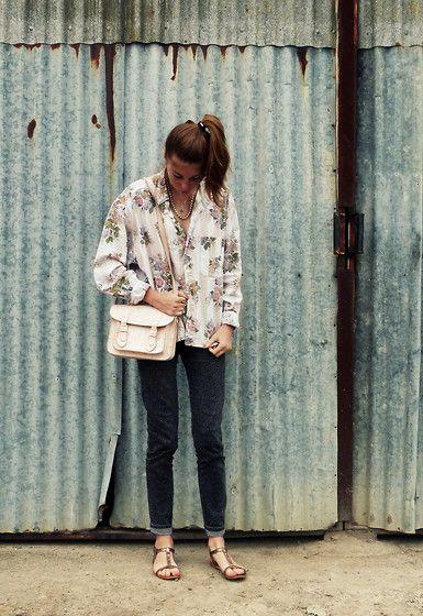 Vintage Floral Shirt, Zara Flamingos Satchel, Bershka Dotted Jeans, Zara Glitters Sandals