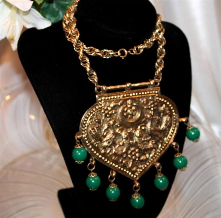 Vtg HUGE & FANTASTIC Repousee & Dangle Bead Medallion Bib Necklace