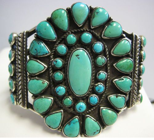 Beautiful Vintage Turquoise Bracelet - Navajo