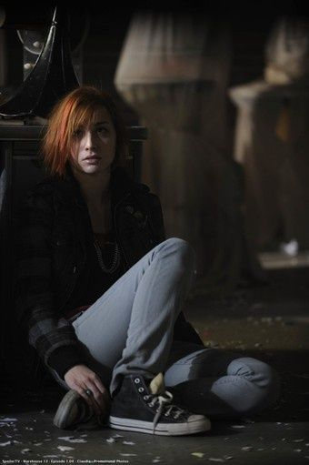 Acting wise, this was definitely one of my top five fav moments with Alison Scagliotti as Claudia. Here, she's just found Jinks dead, killed by Marcus Diamond. When she firsts walks in the room, that scream.....that heart-wrenching, heart-breaking, terrible SCREAM!!!