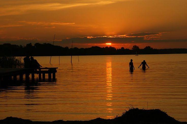 Zachód słońca nad Jeziorem Tałty  Autor Heinrich Kubiec