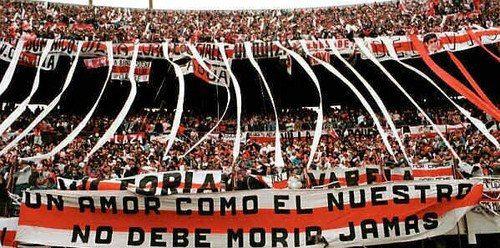 Hinchada de River Plate, siempre fiesta.