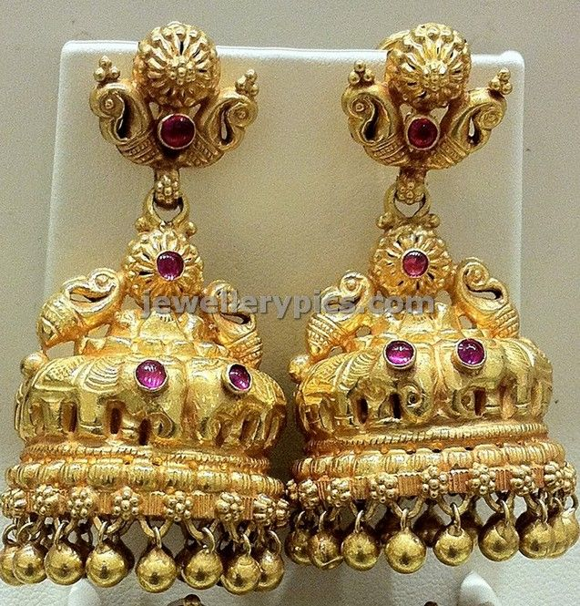 5 Exquisite gold Jhumka temple designs at Nalli jewellers store ~ Gold Jewellery Designs