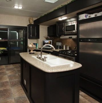 luxury fifth wheel, I could live in this