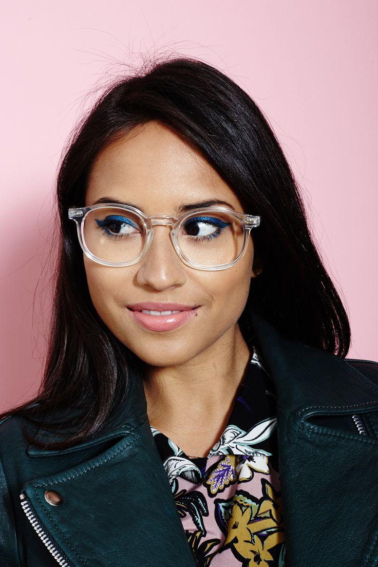 Brilliant Makeup DIYs For Girls In Glasses #luxeyewear #girlsinglasses #makeuptips