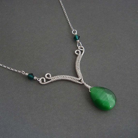 Kassia wire wrapped Necklace evergreen