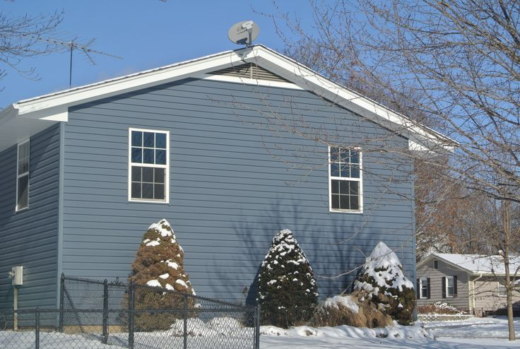 Pacific Blue Vinyl siding by CertainTeed