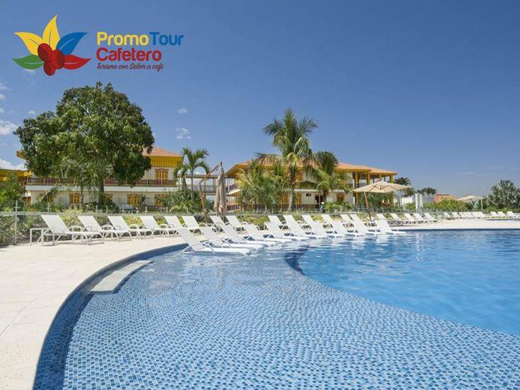 Un Hotel Resort en el #Eje Cafetero, para quienes gustan del confort y lo exclusivo. Piscina solárium de más de 1.200 m² de área. Restaurantes y bares. Golfito, Putting Green