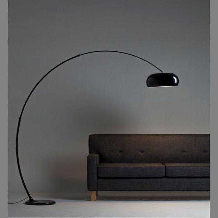 Lámpara de pie con arco extensible