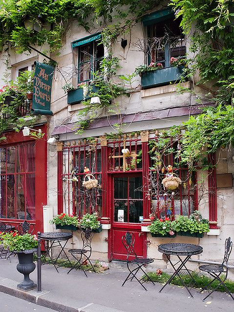 Au Vieux Paris d'Arcole by Yann Le Biannic, via Flickr ~ Ile de France