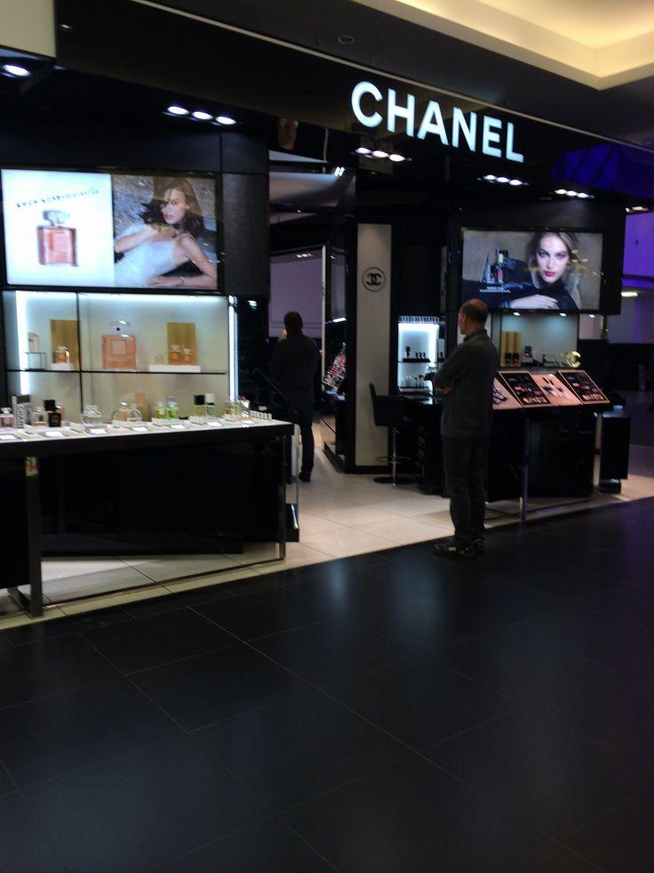 Chanel Berlin shopping kadewe berlin chanel chanel cosmetics