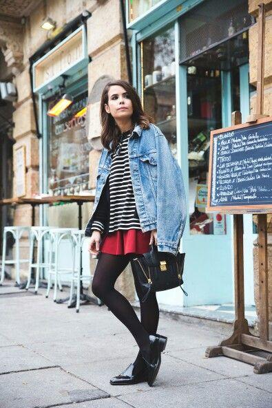 La #cazadora vaquera es un básico de #armario que no puede faltar en otoño. #fashion #estilo