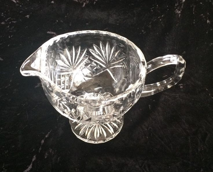 Crystal Clear Industries Essex Clear Sauce Gravy Boat Fans Criss Cross Design #CrystalClearIndustries #Traditional